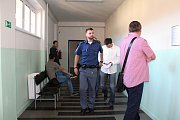 V pondělí 19. června 2017 stanul před Okresním soudem ve Vsetíně David Jurča, který se na jaře letošního roku dopustil celkem šesti loupežných přepadení ve Zlínském a Moravskoslezském kraji.