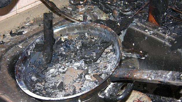 Požár kuchyně způsobila pánev s olejem.