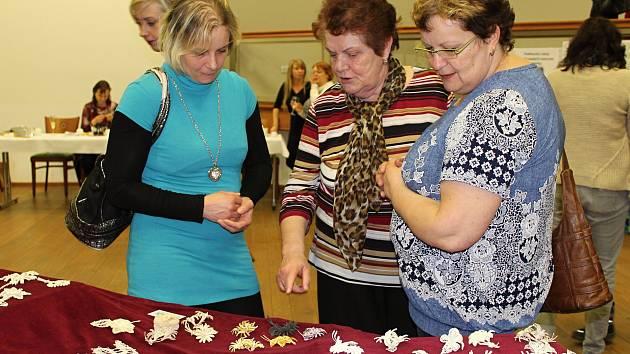 V Kulturním domě v Zašové jsou k vidění legendární zašovské kytičky