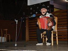 Známé písně v podání heligonkářů rozezpívaly i publikum.
