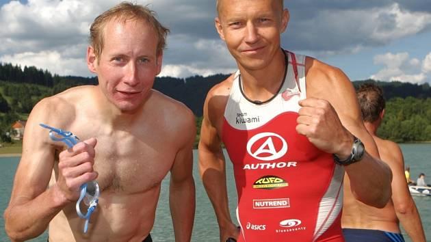 Petr Vabroušek a Lukáš Bauer (vlevo).