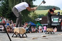 Deset nejlepších dřevorubců z celé České republiky se představilo 9. srpna v Liptále. V přírodním amfiteátru se konala soutěž nazvaná Stihl Timbersports