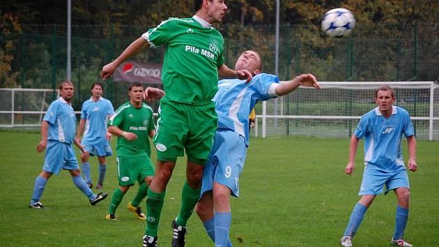 V úterý 28. září se ve Velkých Karlovicích představily Vigantice (modré dresy) a prohrály 0:2. V sobotu2: října tam míří další valašský tým – FC Vsetín.