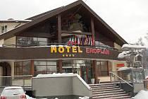 Hotel Eroplán v Rožnově pod Radhoštěm.