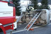 Na hlavním silničním tahu I/57 došlo k havárii osobního auta zn. Toyota.