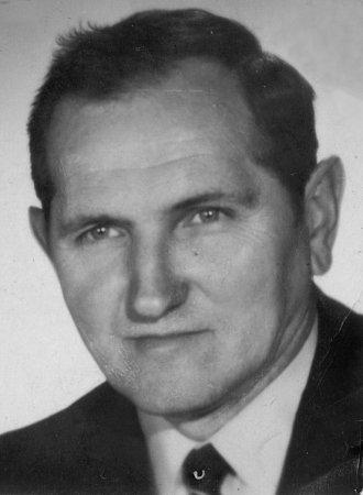 Robert Elischer.