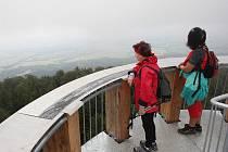 Rozhledna na vrcholu Kelčského Javorníku 862 m. n m.