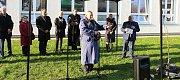 Lidickou hrušeň vysadili ve středu 28.11.2018 na zahradě ZŠ Žerotínova ve Valašském Meziříčí. Nechyběl ani jeden z potomků přeživších obyvatel vyhlazených Lidic Antonín Nešpor.