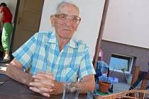 Josef Šimek ze Vsetína oslavil v minulých dnech úctyhodných 101 let. Je nejstarším obyvatelem města.