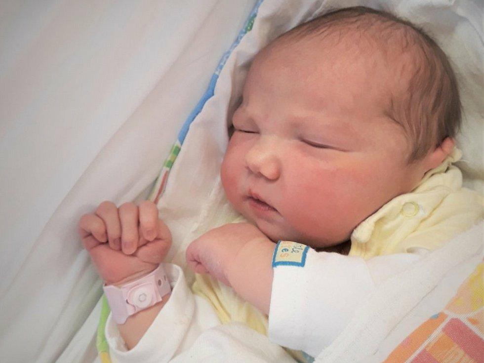 Rozálie Kamínková, Drahotuše, narozena 10. dubna 2021 ve Valašském Meziříčí, míra 52 cm, váha 4350 g