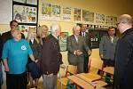 Premiér české vlády Bohuslav Sobotka navštívil v Kateřinicích školu a kostel.
