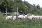 Valašská dědina se o víkendu oděla do podzimní atmosféry.