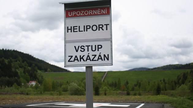 V Karolince byl v těchto dnech uveden do provozu heliport pro přistávání vrtulníku letecké záchranné služby.