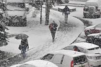 Sněhové přeháňky ve Vsetíně; pondělí 28. listopadu 2016