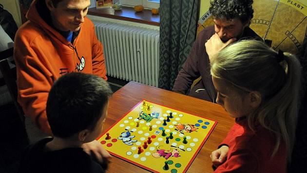 Ve valašskomeziříčském centru deskových her Vrtule se v úterý 27. prosince konal čtvrtý ročník turnaje ve stolní hře Člověče, nezlob se!