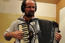 Kapelník vsetínské skupiny Dareband Jiří Václavík mluvil v rozhovoru o festivalu Darebandfest, který se koná v sobotu 16. června 2012 ve Vsetíně