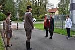 Odhalení pamětní desky bývalému členu Tělocvičné jednoty Sokol Valašské Meziříčí Leopoldu Novotnému, kterého za odbojovou činnost v dubnu 1945 zavraždili nacisté v koncentračním táboře Mauthausen; Valašské Meziříčí, středa 7. října 2020