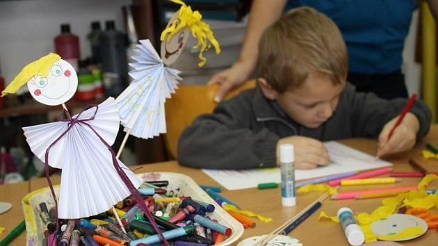 Výroba andělíčka na špejli