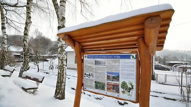 Jedno ze zastavení šestikilometrové Naučné stezky prlovským lesem.