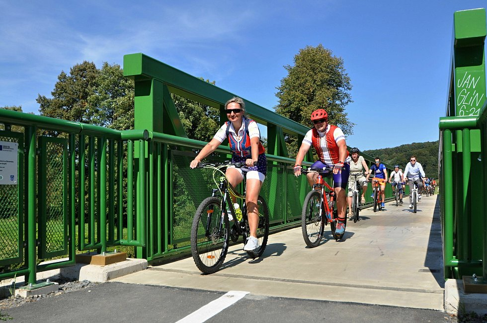 V Ústí u Vsetína se v pátek 10. září 2021 oficiálně otevíral dokončený desetikilometrový úsek mezinárodní cyklostezky BEVLAVA.