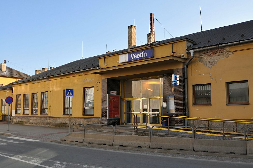 Vlakové nádraží ve Vsetíně; březen 2021