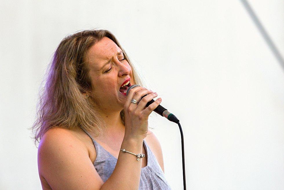 Čtvrtý ročník festivalu world music s názvem Andělská Bystřička se konal v sobotu 4. července 2020 v areálu letního kina v Bystřičce na Vsetínsku. Vystoupila také Kateřina Mrlinová a spol.