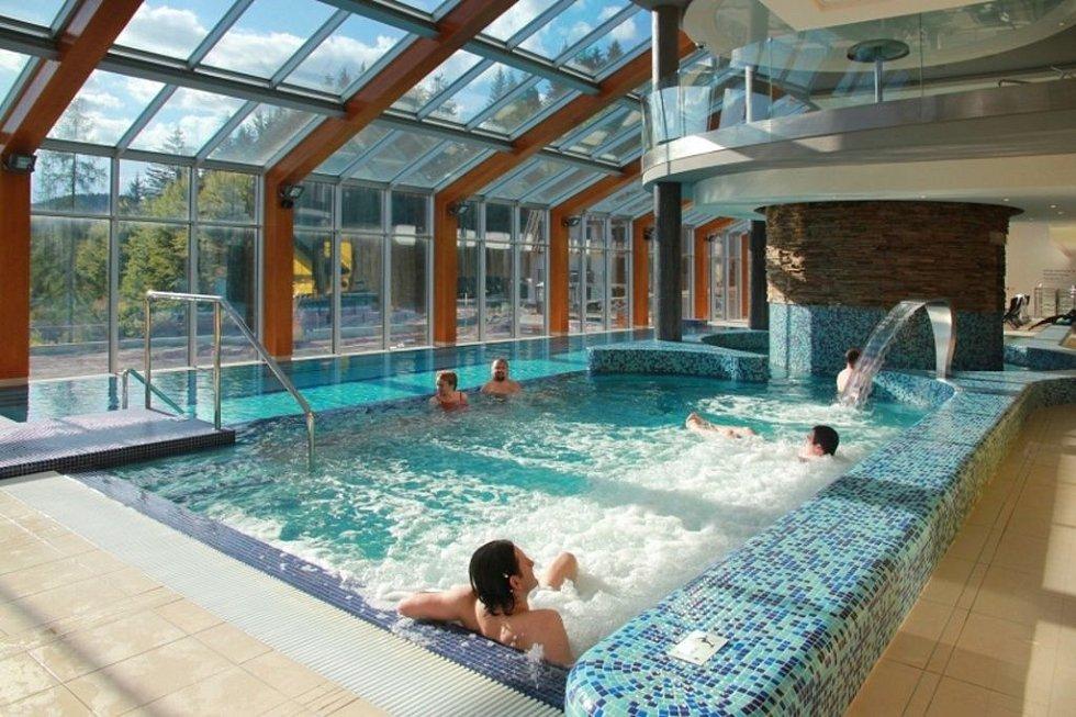 Termální bazén hotelu Horal.