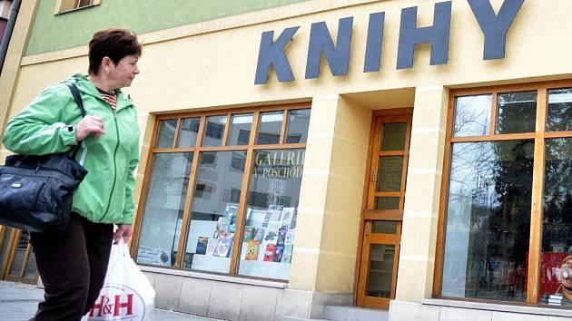 Známé Knihkupectví Malina na Dolním náměstí ve Vsetíně končí. Ilustrační foto.