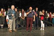 Valašský soubor písní a tanců Radhošť oslavil v sobotu 7. července 2018 sedmdesáté výročí vzniku. Ke gratulaci se přidali také členové spřáteleného souboru z Maďarska Béri Balogh Ádám.