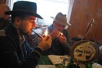 O Starostovu fajfku soutěžili v sobotu milovníci dýmek ve Valašském Meziříčí.