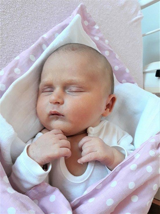 Ema Fiurášková, Hutisko-Solanec, narozena 4. června 2021 ve Valašském Meziříčí, míra 50 cm, váha 3330 g