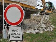 Parkoviště za Albertem ve Vsetíně bude od ledna na čtyři měsíce uzavřené.