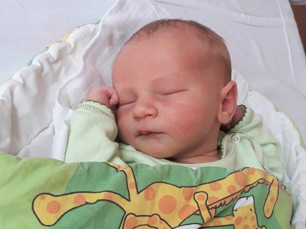 Eliáš Stibor, Hlinsko, narozen 7. července 2021 ve Valašském Meziříčí, míra 52 cm, váha 3570 g