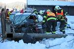Velmi vážnými zraněními skončila v pátek odpoledne (22. 1.) dopravní nehoda ve Velkých Karlovicích na Vsetínsku.
