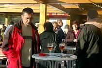 Hlavní program karlovského gastrofestivalu, který se uskutečnil v sobotu 13. a neděli 14. listopadu zpestřila řemesla, jarmark i autogramiáda Itala v Kuchyni Emanuela Ridiho.