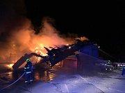 Požár skladovací haly v Liptále na Vsetínsku; čtvrtek 1. listopadu 2018