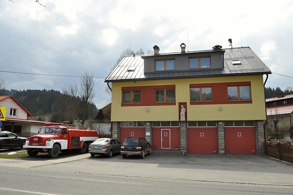 Velké Karlovice - hasičská zbrojnice.