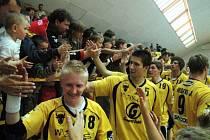 Házenkáři Zubří slavili s fanoušky postup do finále extraligy.