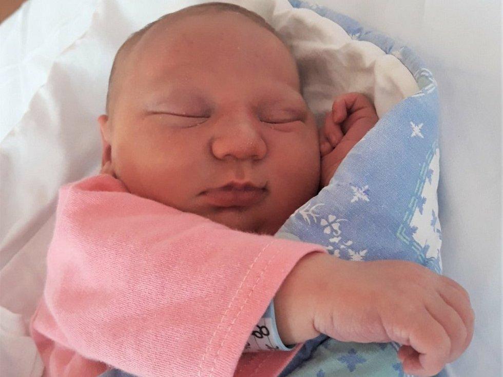 Radek Červinka, Valašské Meziříčí, narozen 7. července 2021 ve Valašském Meziříčí, míra 49 cm, váha 3170 g