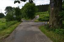 Ani jeden z cyklistů neměl při jízdě na kole cyklistickou přilbu. Její používání může předejít fatálním následkům.