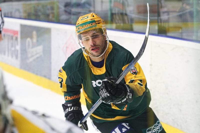 Hokejový útočník Vsetína Luboš se do klubu vrátil po dvou letech. Na začátku nové sezony Chance ligy se mu zatím daří na výbornou.
