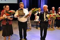 Ve vsetínském Domě kultury se ve čtvrtek 25. dubna 2013 uskutečnil 4. ročník pěveské soutěže seniorů – Seniorstar.