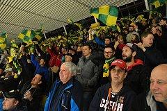 Diváci ve čtvrtek na Lapači hnali vsetínské hokejisty do útoku. Postupu do finále věří každý.