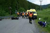 Srážka dvou motorkářů v Novém Hrozenkově. K nehodě došlo v údolí Vranča u odbočky na Kohútku.