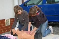 V úterý 6.5. se ve Vsetíně uskutečnilo místní kolo soutěže Zdravotnických hlídek, děti měli za úkol ošetřit šest druhů zranění