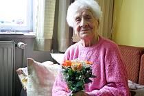 Paní Vlastimila Češková z Jarcové na Vsetínsku oslavila v neděli 2. března 2014 úctyhodné 109. narozeniny; Jarcová, pondělí 3. března 2014.