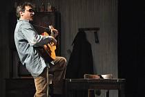 V Karolince se od pátku do neděle (25. – 27. 3.) konala krajská postupová přehlídka amatérských divadel. Představilo se pět ochotnických souborů, v sobotu večer například vsetínské Divadlo v Lidovém domě s hrou Osiřelý západ.