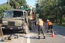 Dopravní nehoda dvou nákladních automobilů u Lidečka.
