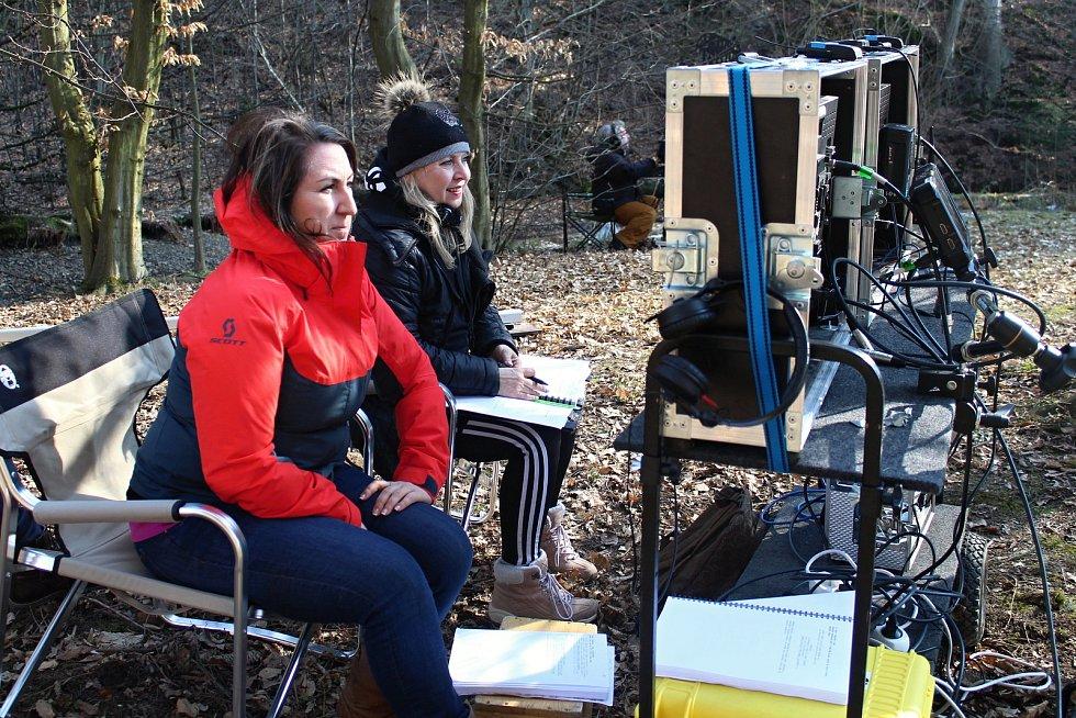 Filmový štáb začal posledního února s natáčením pohádky Největší dar. Z lokalit si filmaři vybrali z velké části prostředí Valašského muzea v přírodě v Rožnově pod Radhoštěm. režisérka Marta Santovjáková Gerlíková (vlevo).