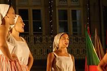 Členové folklorního souboru Bača z Valašského Meziříčí vystupují na festivalu v Portugalsku; srpen 2019